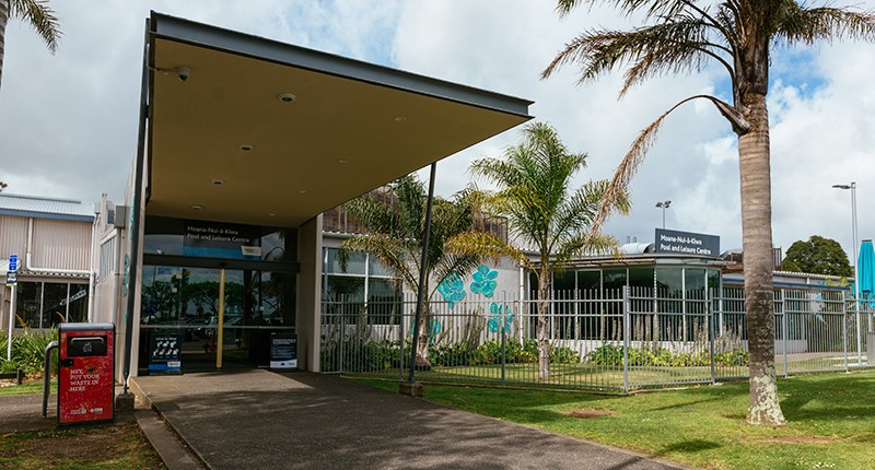 exterior entrance to moana-nui-a-kiwa pool and leisure centre
